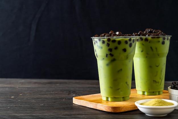 Chá verde com leite com bolha