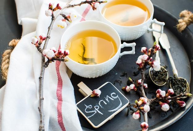 Chá verde e flor de pêssego