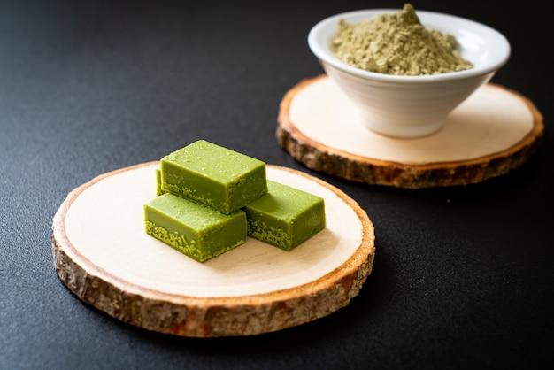 Chá verde matcha fresco e macio chocolate