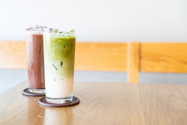Chá verde matcha gelado com leite e chocolate gelado