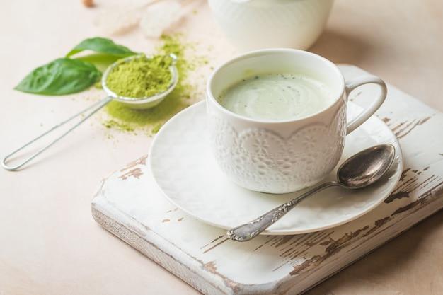 Chá verde matcha latte