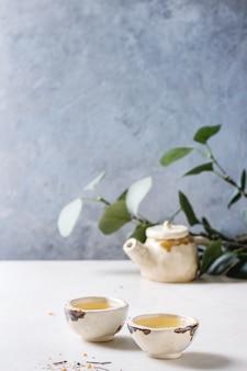 Chá verde quente
