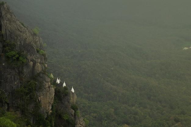 Chalermprakiat templo em lampang, tailândia