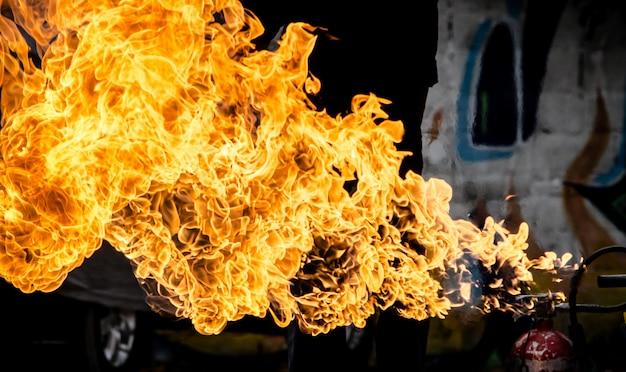 Chama de fogo para textura e fundo, explosão de gasolina