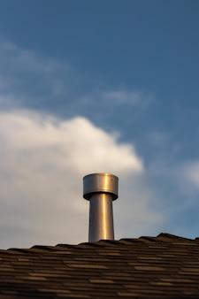 Chaminé no telhado