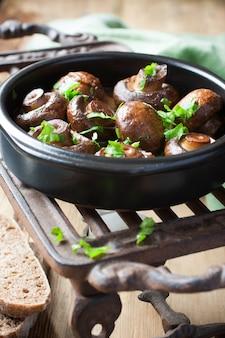 Champignon cozido cogumelos