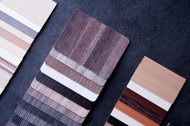 Chão de textura de madeira amostras de ladrilhos de piso laminado e vinílico