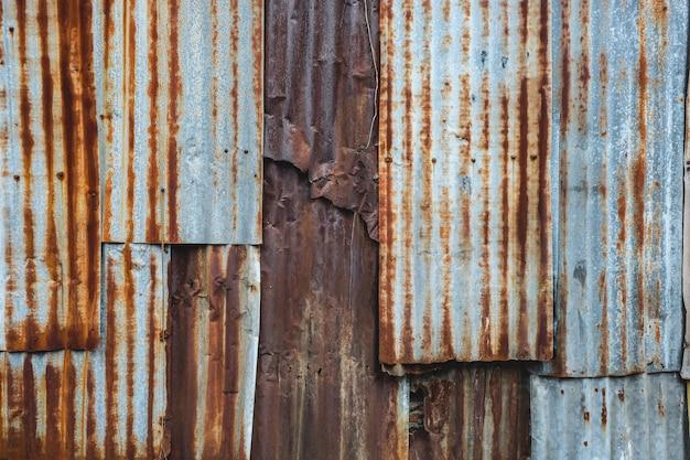 Chapa de ferro galvanizado enferrujada