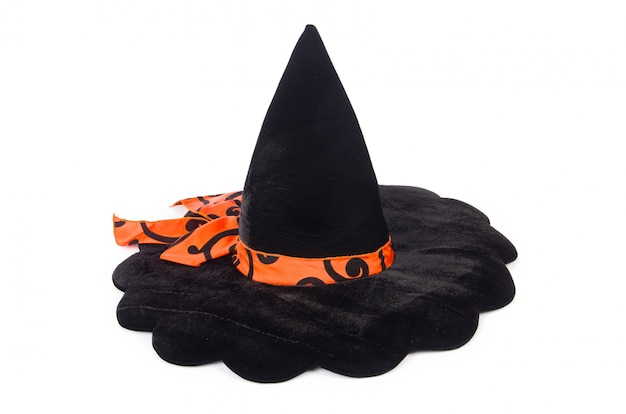 Chapéu de bruxa isolado no branco