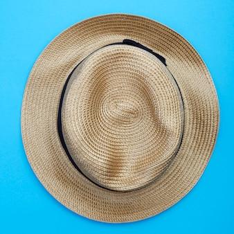 Chapéu de panamá vista superior em fundo branco