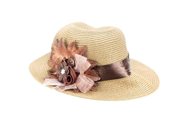 Chapéu de praia isolado com traçado de recorte