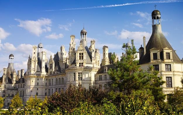Chateau de chambord, o maior castelo real da renascença francesa, vale do loire, frança