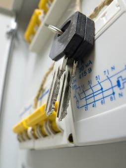 Chave no novo painel de controle de energia