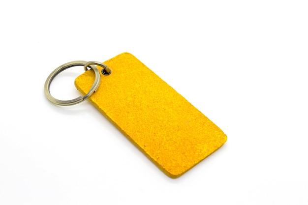 Chaveiro de couro amarelo