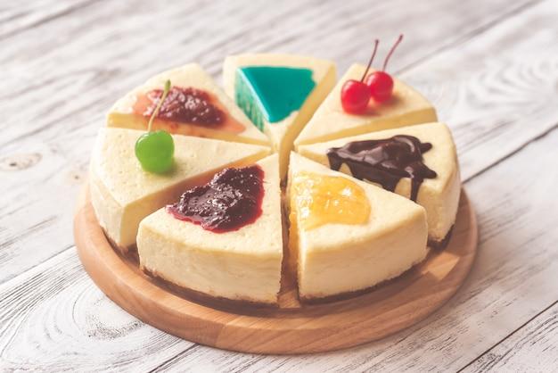 Cheesecake com diferentes coberturas