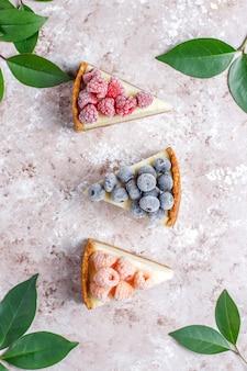 Cheesecake de newyork caseiro com frutas congeladas e min