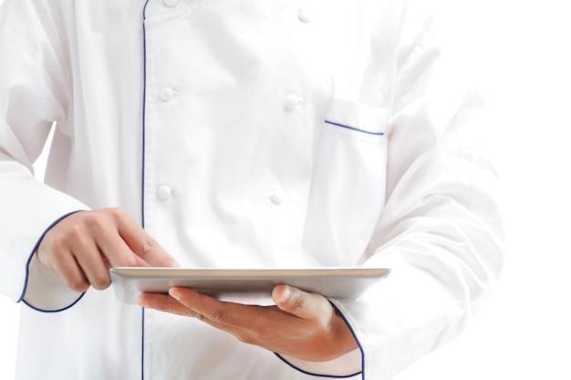 Chef usando tablet digital