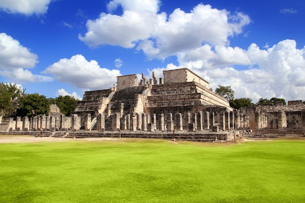 Chichen itza warriors temple los guerreros méxico