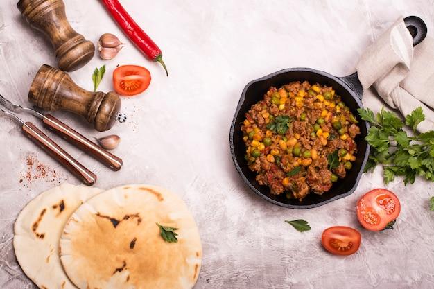 Chili con carne e ingredientes picantes