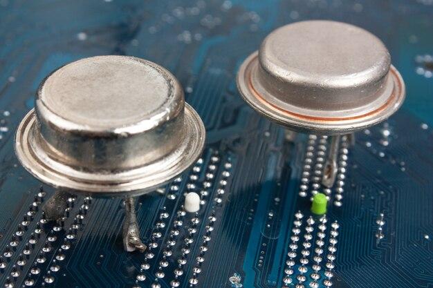 Chip de silício velho na placa eletrônica