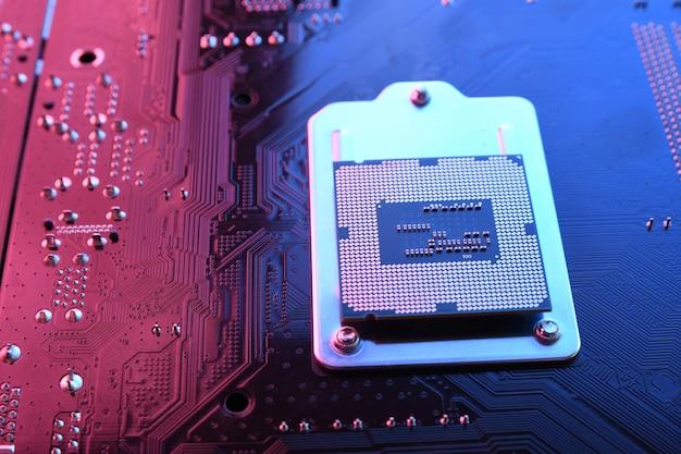 Chip do processador da cpu do computador na placa de circuito