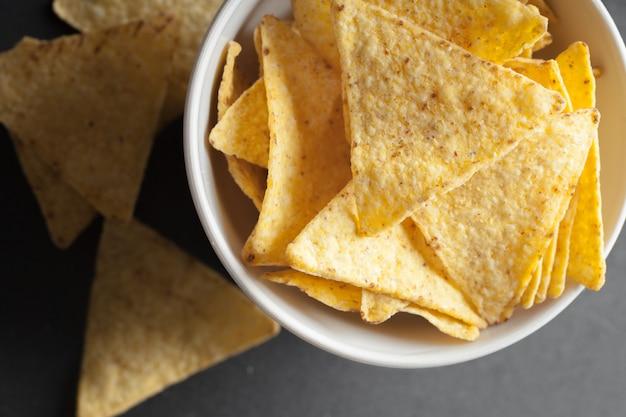Chips de nachos. lanche delicioso de tortilha salgada