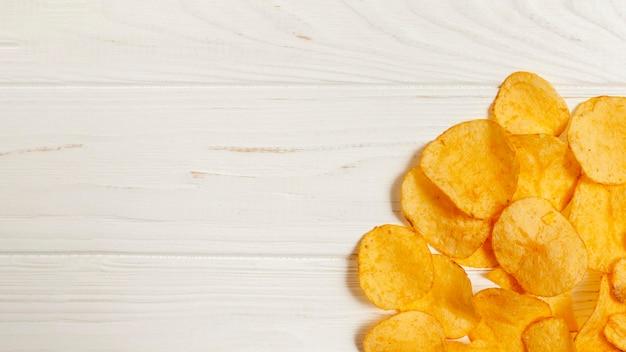 Chips habbit ruim com cópia-espaço