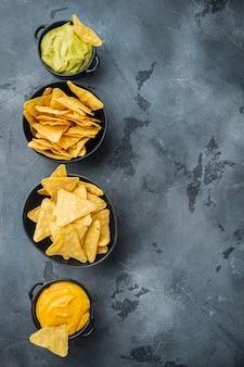 Chips nachos mexicanos com molho dip
