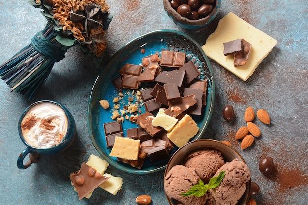 Chocolate amargo e branco para sobremesa