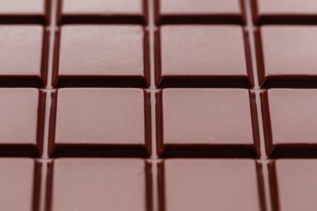 Chocolate ao leite de perto.