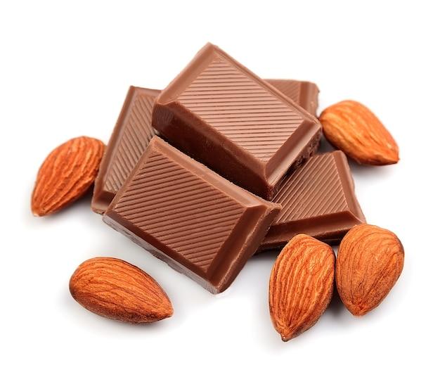 Chocolate com amêndoas close up