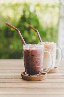 Chocolate gelado e café gelado