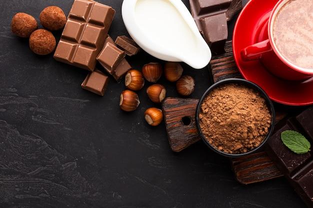 Chocolate quente com cacau em pó
