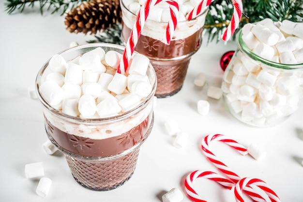Chocolate quente com menta e marshmallow