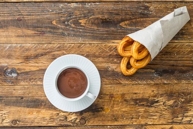 Churros com chocolat típico doce espanhol