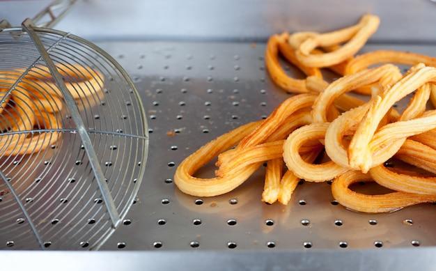 Churros crullers fritos bolinhos de farinha espanhola