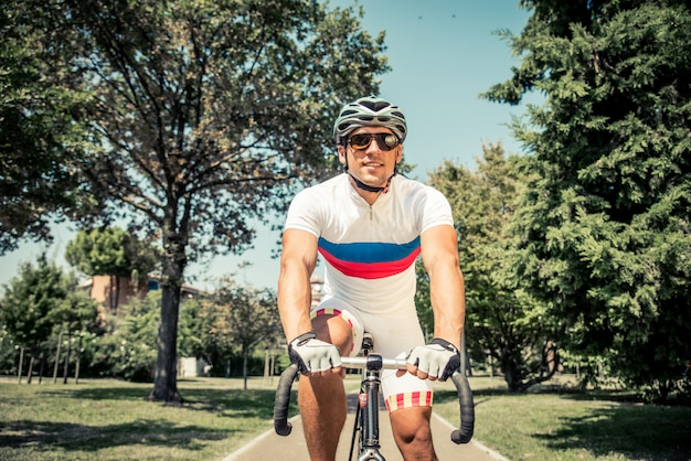 Ciclista de corrida