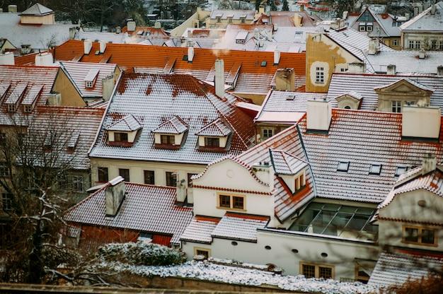 Cidade coberta de neve no inverno