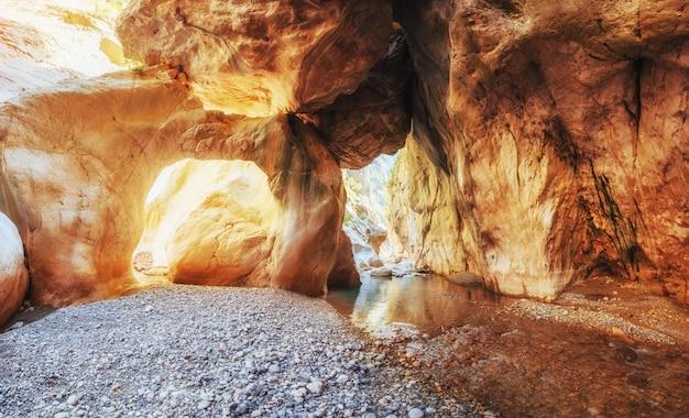 Cidade da caverna de derinkuyu na capadócia turquia