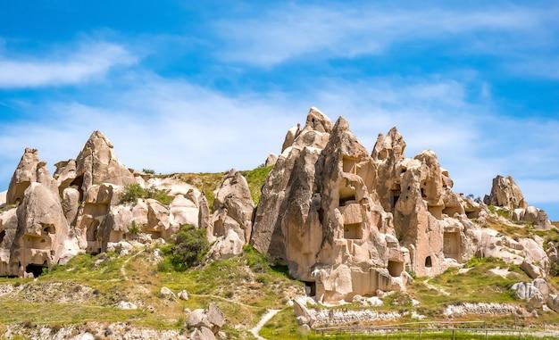 Cidade da caverna vulcânica no parque nacional de goreme. capapdocia, turquia