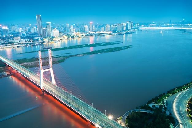 Cidade da china em shenzhen à noite