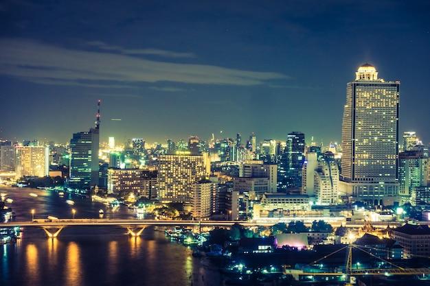 Cidade de banguecoque na noite