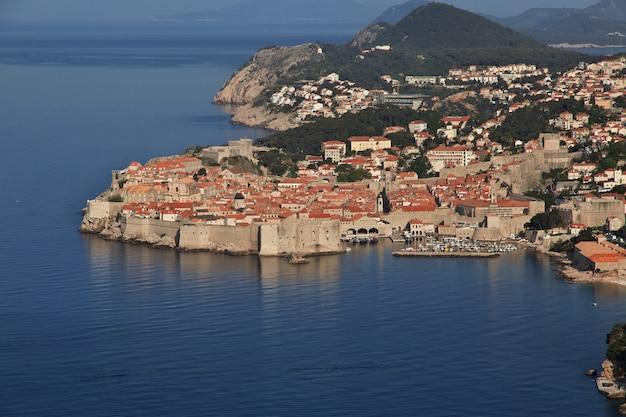 Cidade de dubrovnik no mar adriático, croácia