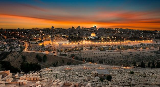 Cidade de jerusalém ao pôr do sol