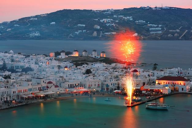 Cidade de mykonos, chora na ilha de mykonos, grécia
