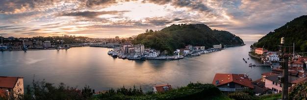 Cidade de pescadores de pasaia, no país basco.