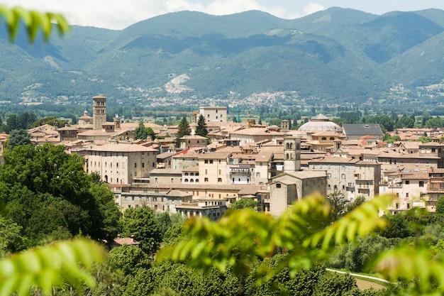 Cidade de rieti, no lácio, itália. paisagem urbana, vista de cima