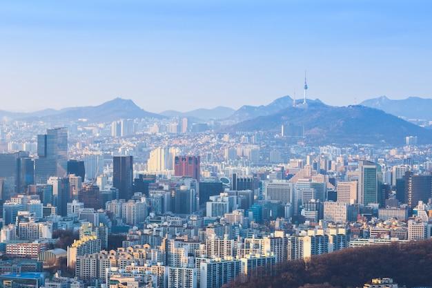 Cidade de seul e skyline da baixa na antena, coreia do sul