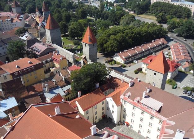 Cidade de tallinn e a muralha da cidade velha, estónia