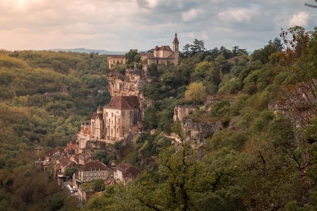 Cidade e castelo de rocamadour (frança)